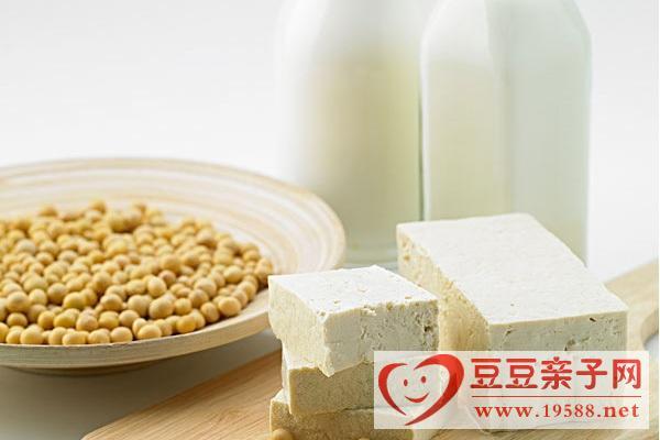阴霾天提高宝宝抵抗雾霾毒素,儿童饮食多吃豆腐和牛奶等食品