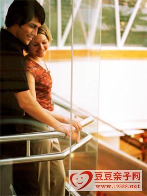 产后性冷淡:夫妻相互体谅多关心有助家庭和谐